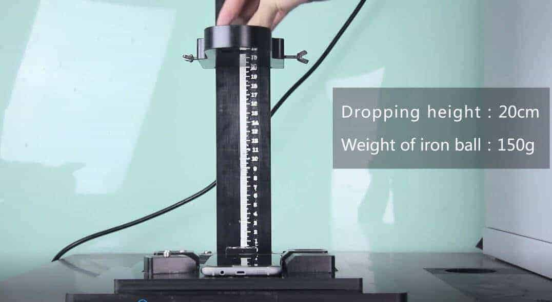 Bluboo Edge's Display Survives the Iron Ball Impact Test