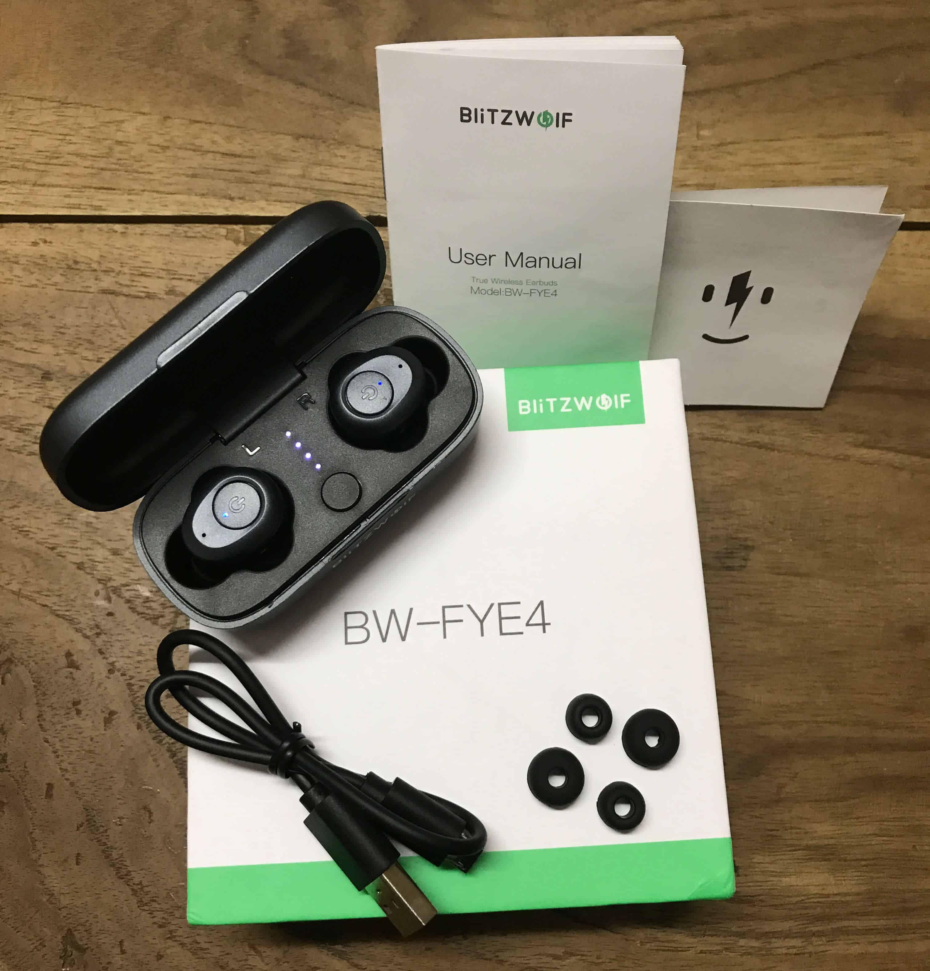 BlitzWolf BW-FYE4 - Box Contents